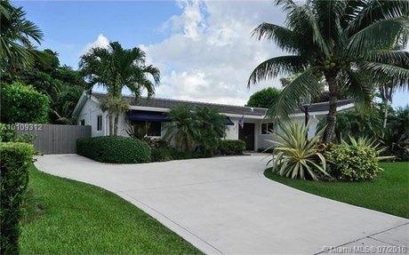 10540 SW 96th St, Miami, FL 33176