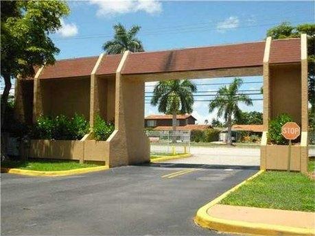 9958 N Kendall Dr Unit 525-5, Miami, FL 33176