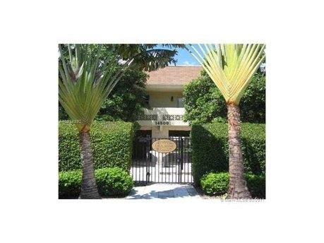 14500 SW 88th Ave Apt 204, Palmetto Bay, FL 33176