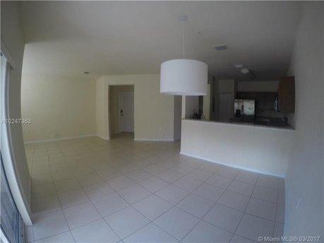 8740 NW 97th Ave Apt 206, Doral, FL 33178