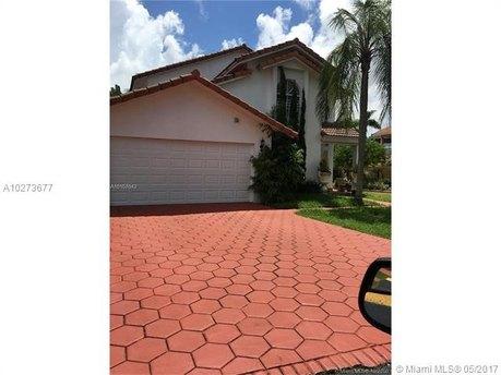 88 Kendall Drive Sw 108 Circle Ct, Miami, FL 33176