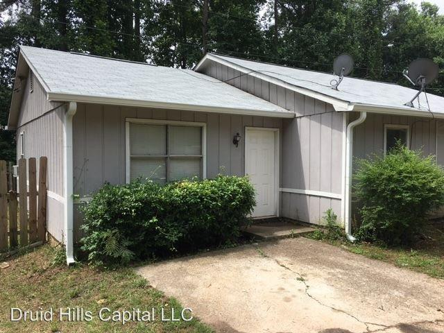 1282 Crystal Lake Rd, College Park, GA 30349