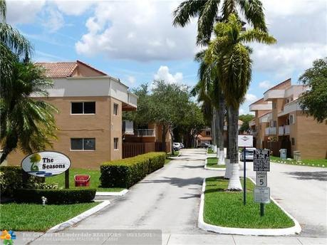 14907 SW 80th St Apt 205, Miami, FL 33193