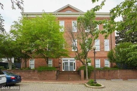 2735 Olive Ave Nw Unit 12 Washington, DC 20007