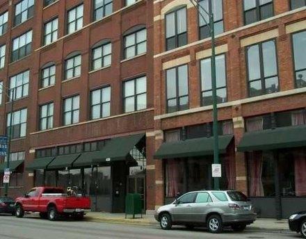 420 W Grand Ave Apt 4i Chicago, IL 60654