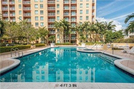 7350 Sw 89 St Unit 821s Miami, FL 33156