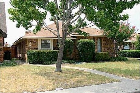 2613 Silverthorne Dr, Dallas, TX 75287