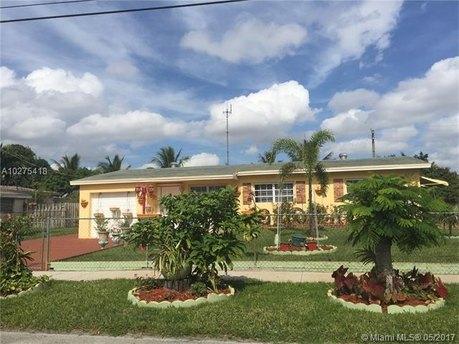 981 NW 202nd St, Miami Gardens, FL 33169