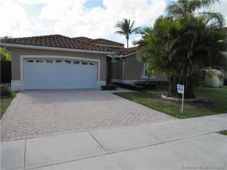 9044 SW 113th Ave, Miami, FL 33176