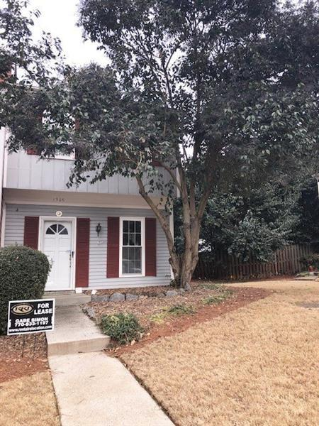 1306 Wedgewood Ct, Atlanta, GA 30350