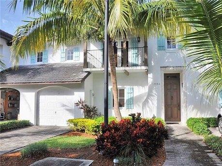 11064 Sw 79th Path Miami, FL 33156