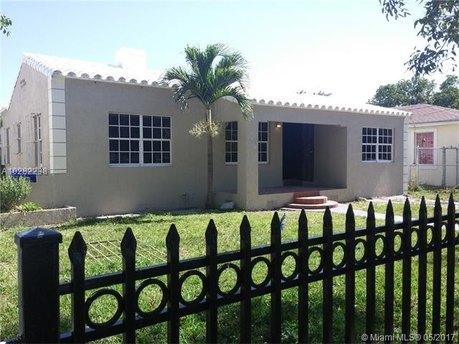 934 NW 45th St, Miami, FL 33127