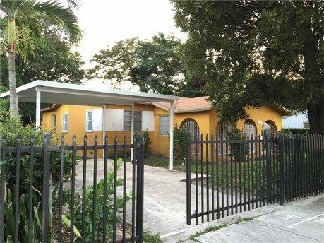 1066 Nw 59th St Miami, FL 33127