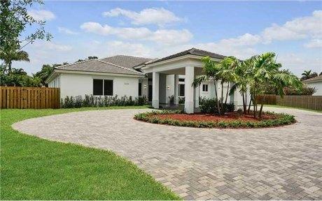 12324 Sw 94th Pl Miami, FL 33176