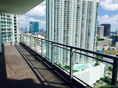 92 SW 3rd St Apt 2812, Miami, FL 33130