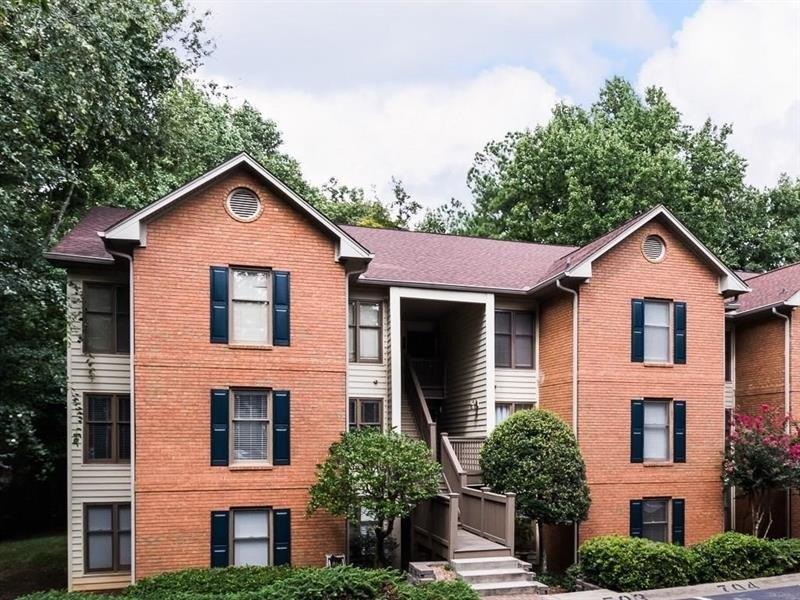 702 Garden Ct, Atlanta, GA 30328
