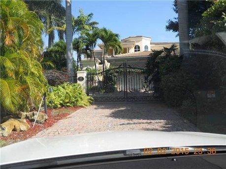 455 Center Island Dr Golden Beach, FL 33160