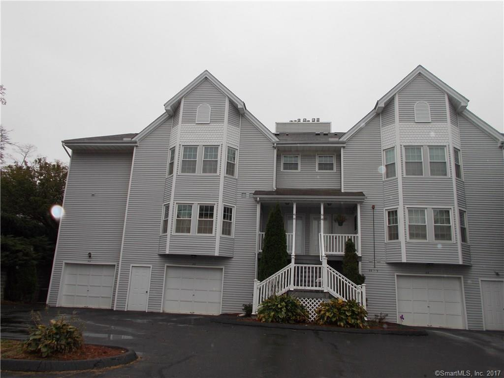 44 Greenview Ln, Milford, CT 06461