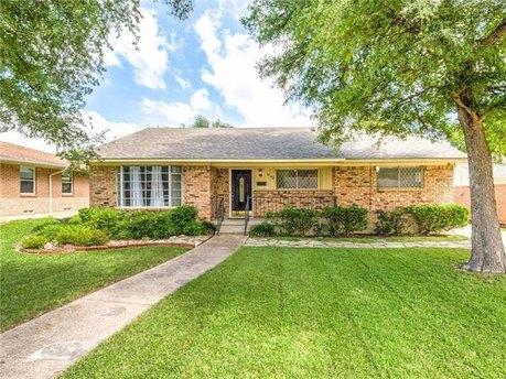 1240 Evergreen Dr, Richardson, TX 75080