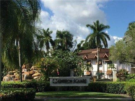 9350 Sw 77th Ave Apt G4 Miami, FL 33156