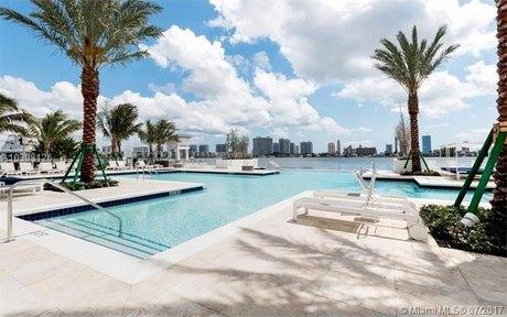 17111 Biscayne Blvd Unit 1809, North Miami Beach, FL 33160