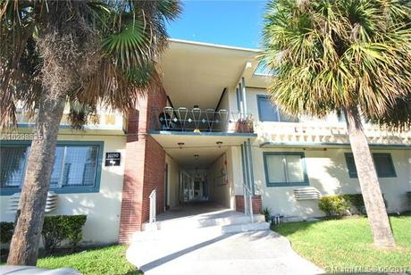 10190 E Bay Harbor Dr Apt 2F, Bay Harbor Islands, FL 33154