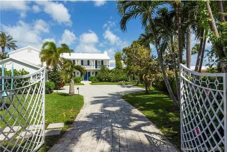 2581 Lake Ave Miami Beach, FL 33140