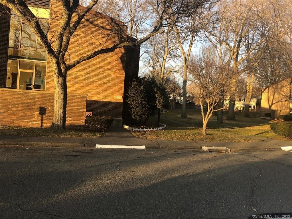 235 Henry Ave Unit 22K, Stratford, CT 06614