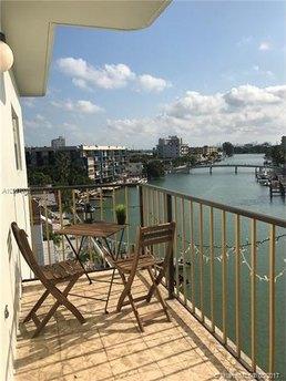 8250 Byron Ave Apt 501, Miami Beach, FL 33141