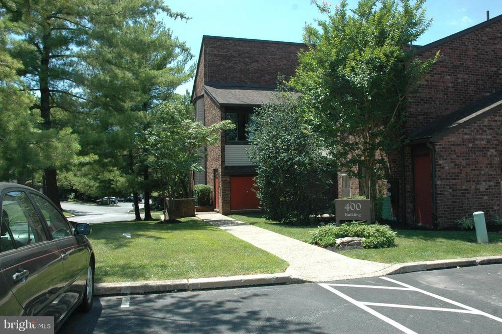 409 Mountainview Dr, Chesterbrook, PA 19087