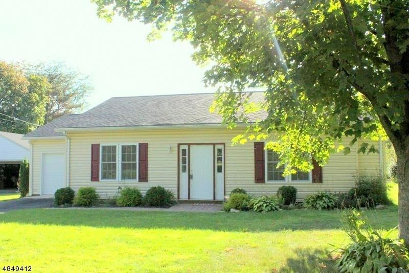308A Brakeley Ave, Lopatcong, NJ 08865