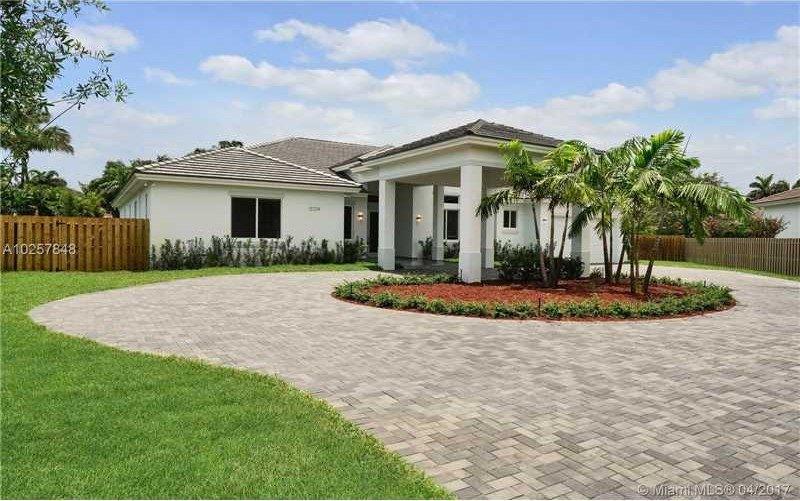 12324 SW 94th Pl, Miami, FL 33176