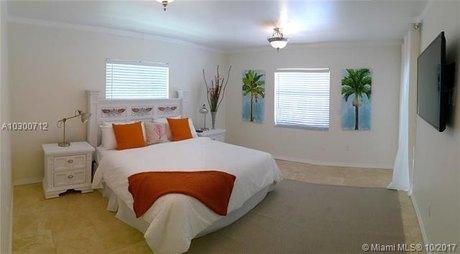 260 Glenridge Rd, Key Biscayne, FL 33149