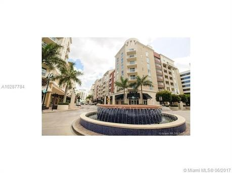 7280 SW 90th St Apt 504, Miami, FL 33156