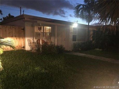 1474 NE 183rd St, North Miami Beach, FL 33179