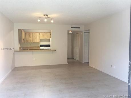 9301 SW 92 Ave Unit 402B, Miami, FL 33176