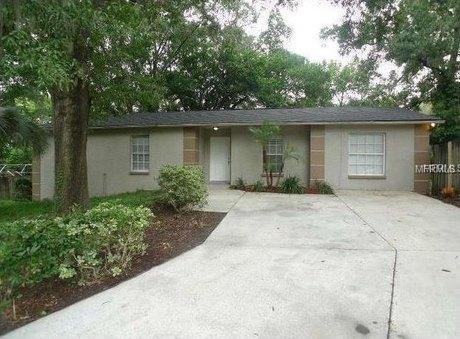 1801 Hillside Dr Tampa, FL 33610