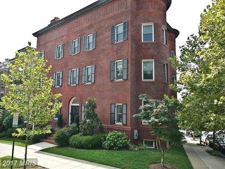 2136 Bancroft Pl NW, Washington, DC 20008