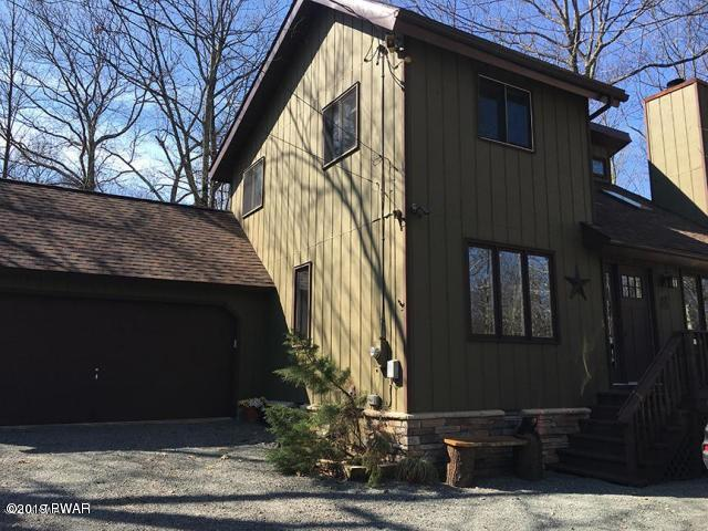 800 W Whippletree Ct, Lords Valley, PA 18428