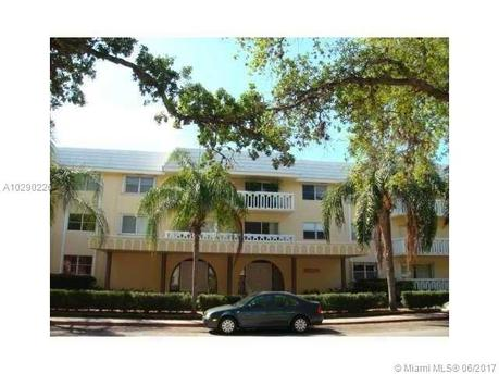 100 Edgewater Dr Apt 302, Coral Gables, FL 33133