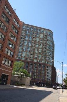 600 N Kingsbury St Apt 1802, Chicago, IL 60654