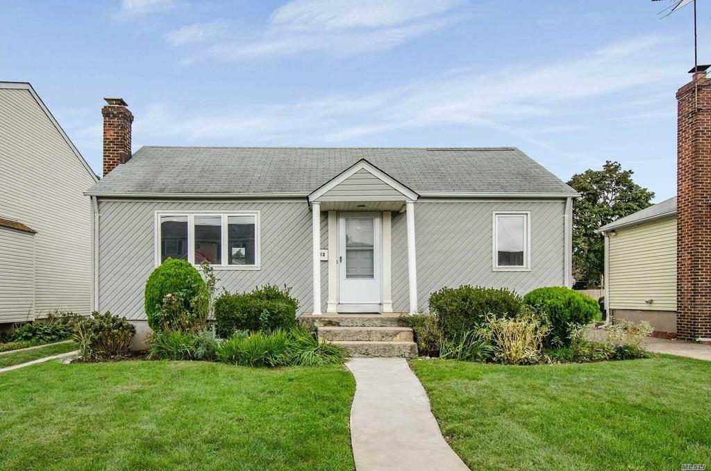 12 Waters Ave Single Family House For Rent Doorstepscom