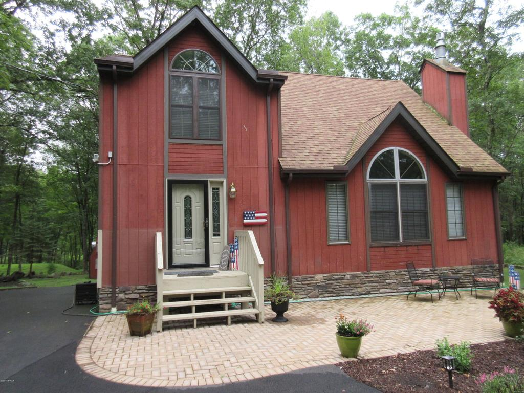 115 Wagoner Ln, Lords Valley, PA 18428