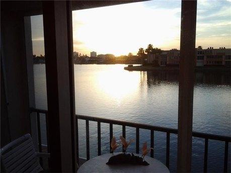 7645 Sun Island Dr S Apt 205 South Pasadena, FL 33707