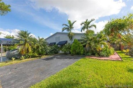 9621 SW 146th Ct, Miami, FL 33186