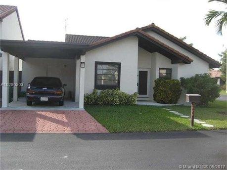 9044 SW 112th Ct, Miami, FL 33176