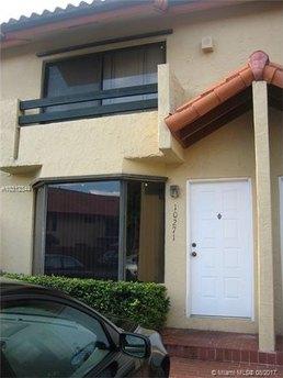 10271 SW 77th Ct, Miami, FL 33156