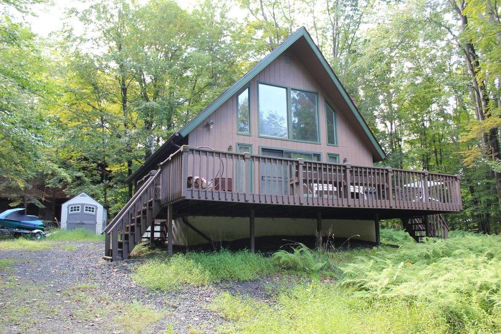 535 Cedarwood Ter, Lake Ariel, PA 18436