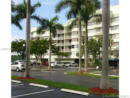 16546 NE 26th Ave Apt 6G, North Miami Beach, FL 33160