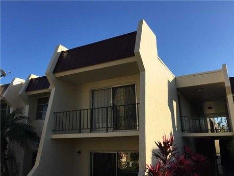 13913 Sw 90th Ave Unit 205b Miami, FL 33176